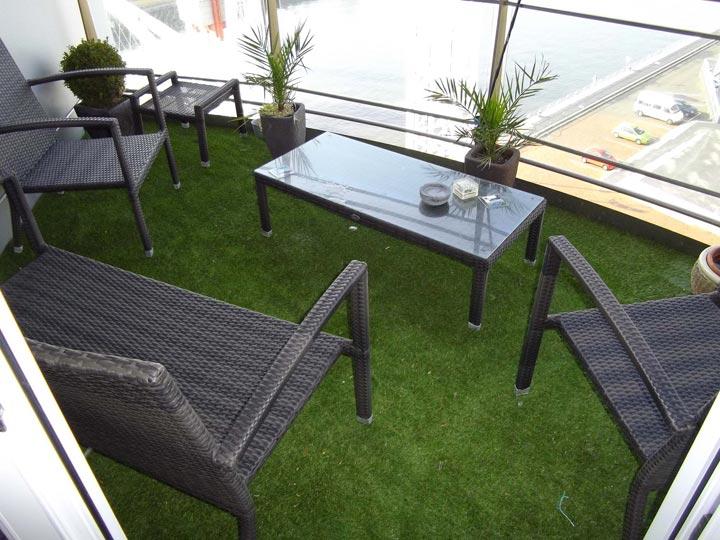 kunstgras balkon uw persoonlijke kunstgras experts geerts groenendaal kunstgras. Black Bedroom Furniture Sets. Home Design Ideas